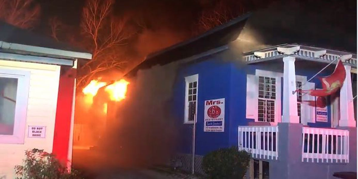 Mrs. B's Home Cooking catches fire Sunday morning