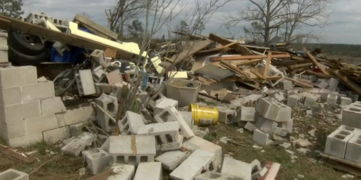 Lee County sheriff warns of post-tornado scams