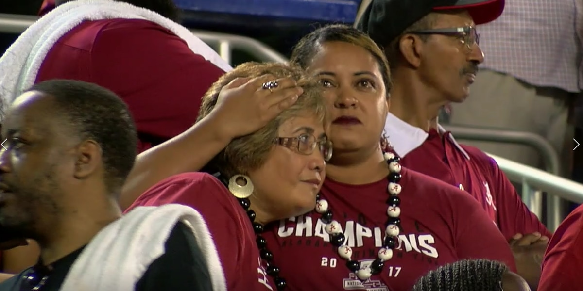 VIDEO: Tua Tagovailoa's parents react to his first start at QB