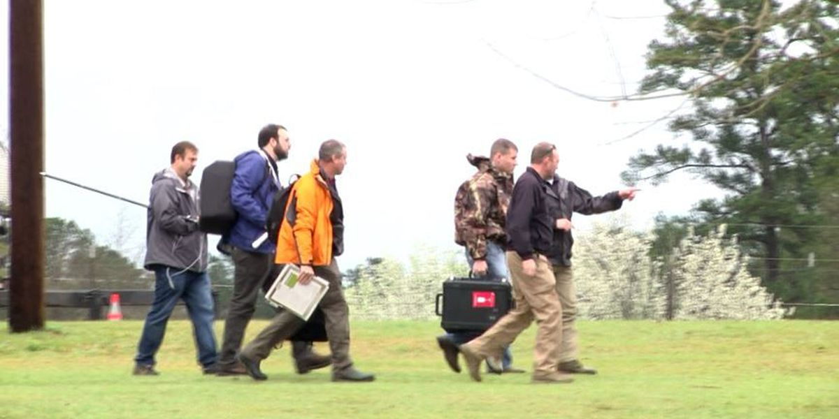 Day 1: Hundreds begin massive search in Traci Kegley case