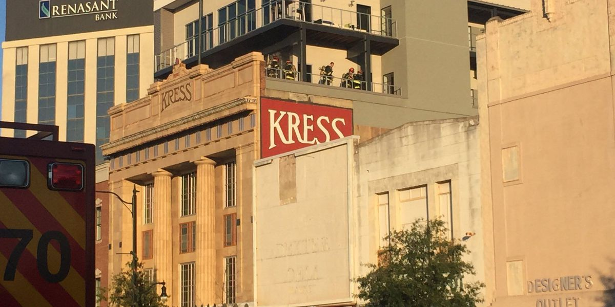 Balcony fire extinguished at Montgomery Kress Building
