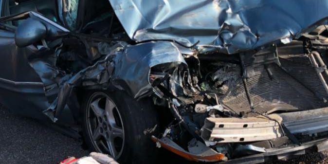 2 people seriously injured in Friday crash