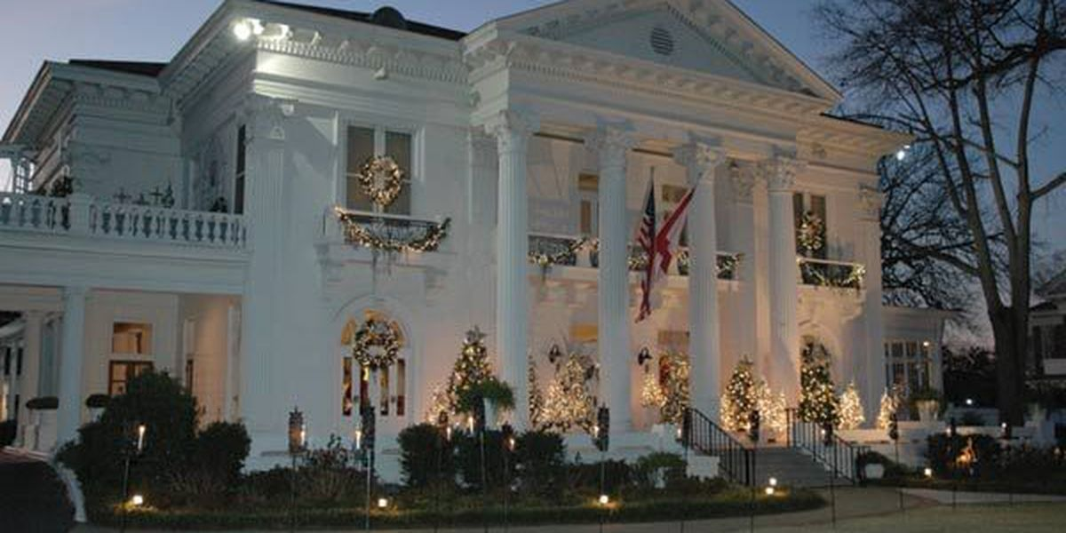 Governor's Mansion opens for Candlelight Christmas Tours