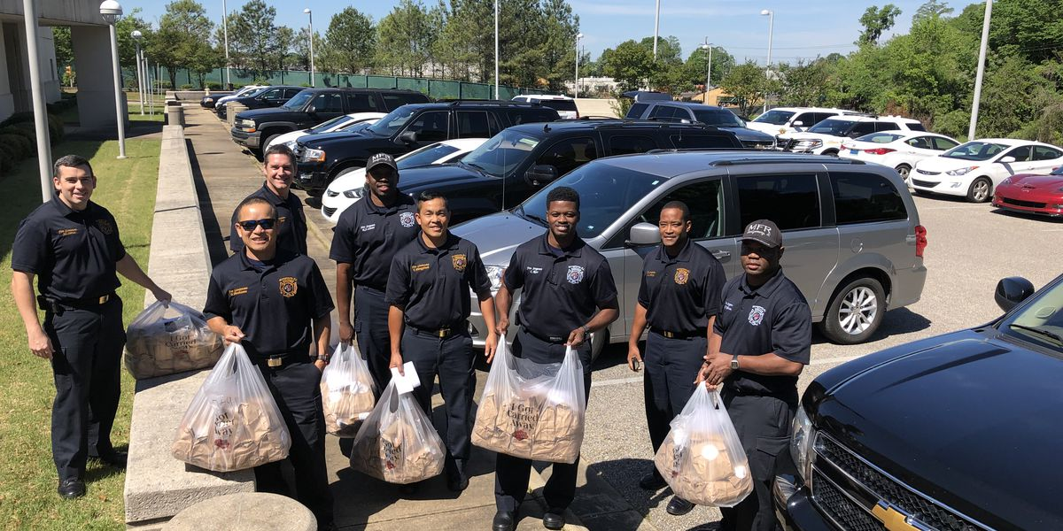 Residents spread kindness by providing lunch for nearly 2,000 first responders