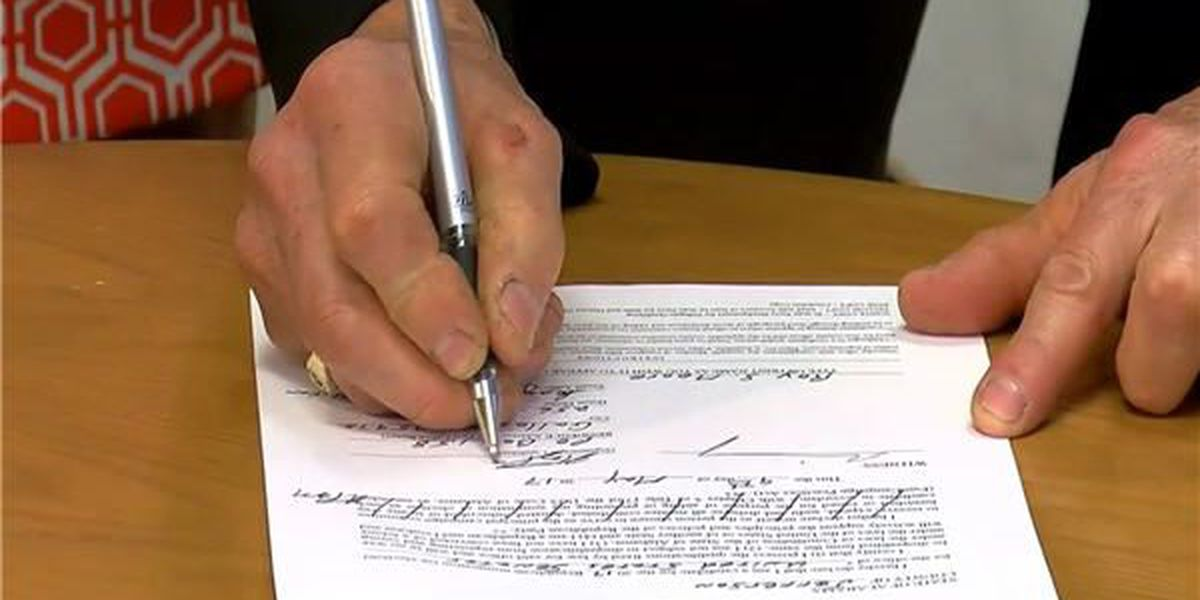 Former AL chief justice signs qualification papers for US Senate race