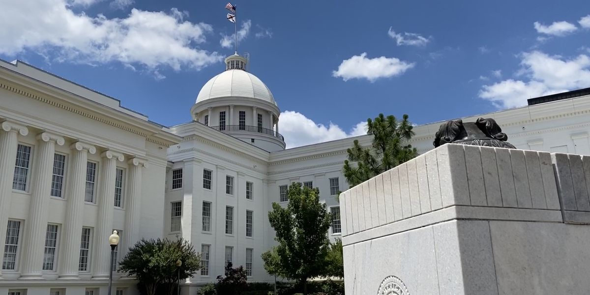 Alabama House to debate bill overseeing executive branch contracts