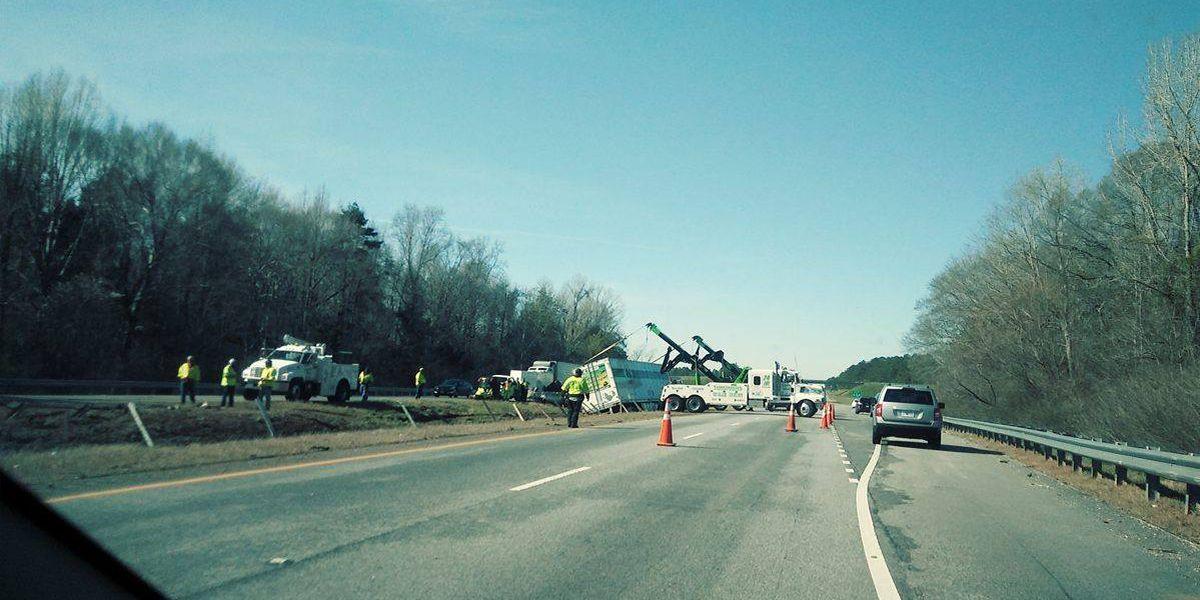 Scene clear after 18-wheeler overturned on I-85 SB near Tuskegee