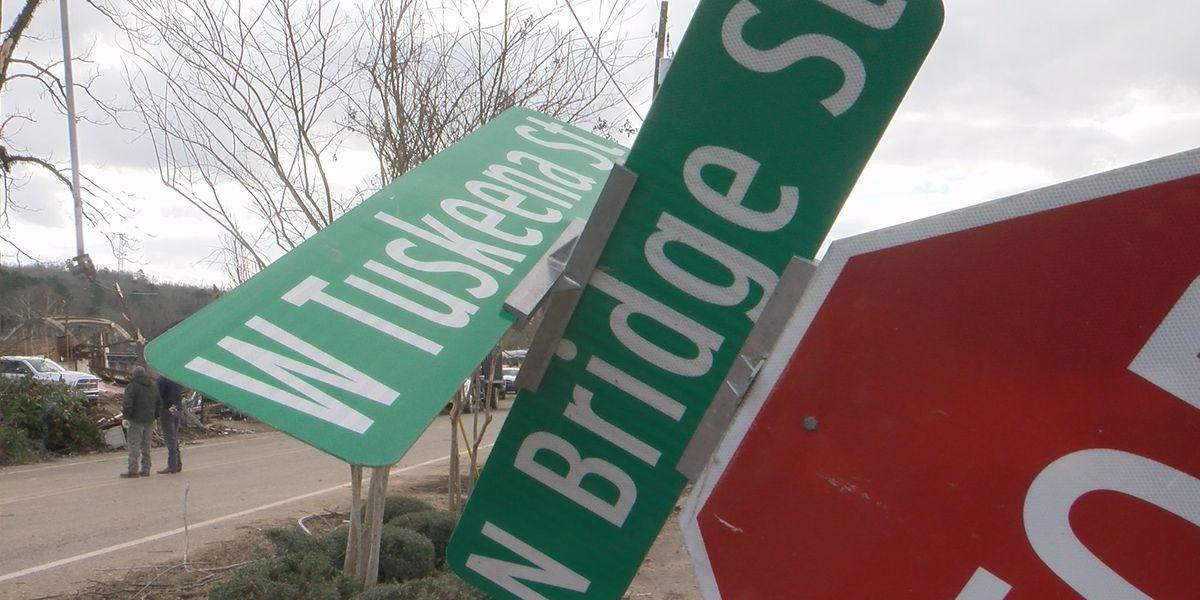 Warning to tornado victims: Don't fall victim again