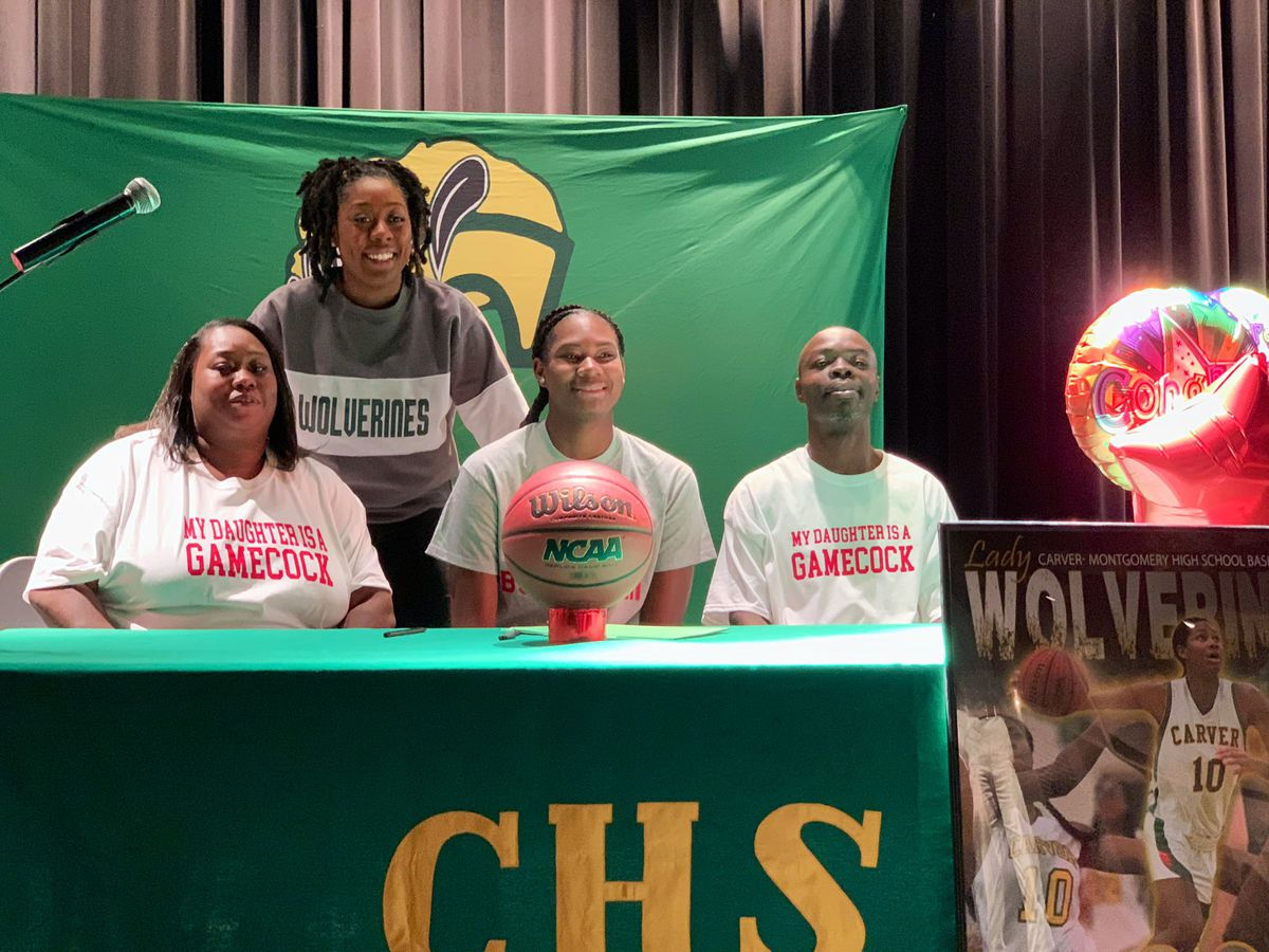 'It's like a day in heaven': Carver basketball players sign NLI