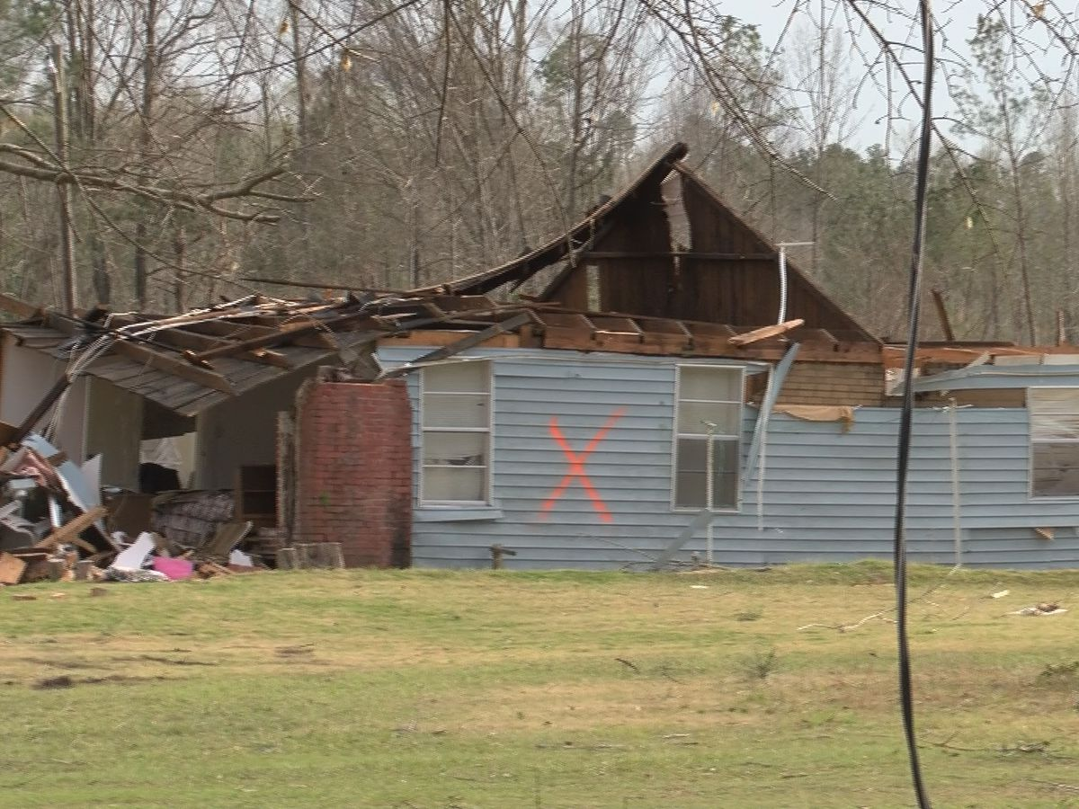 Possible tornado causes damage across Elmore County