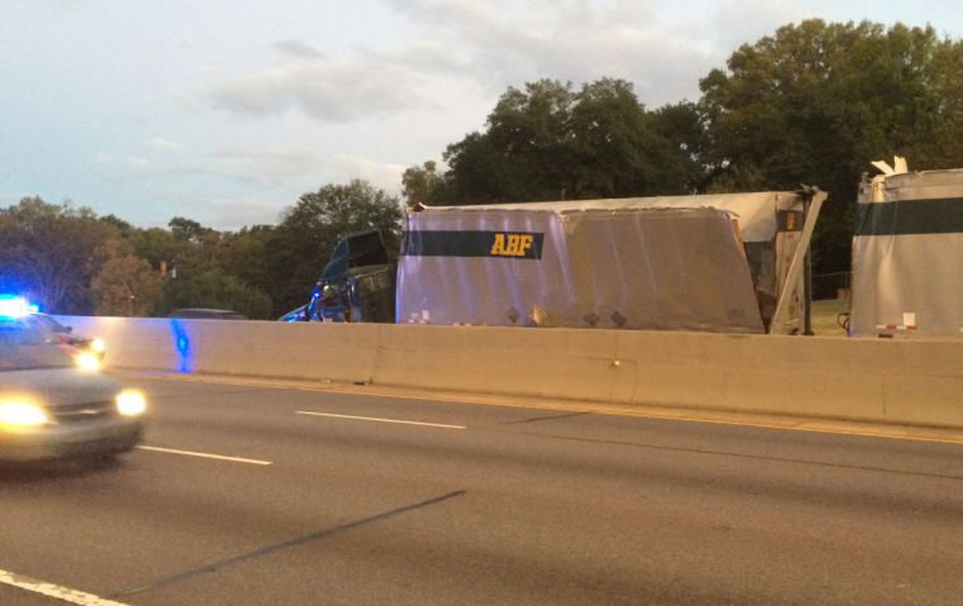 Lanes on I-85 all clear after early morning accident