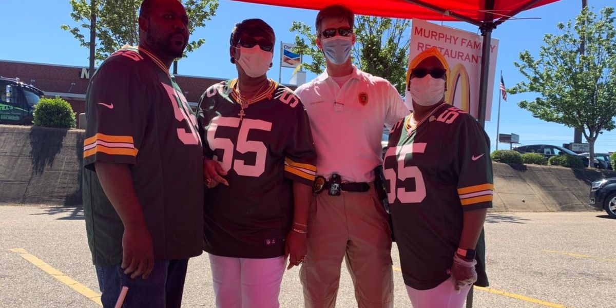 Greenville native, NFL star feeds community during pandemic
