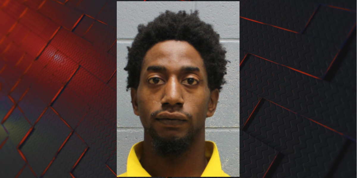 Man arrested for murder outside an abandoned house in Phenix City