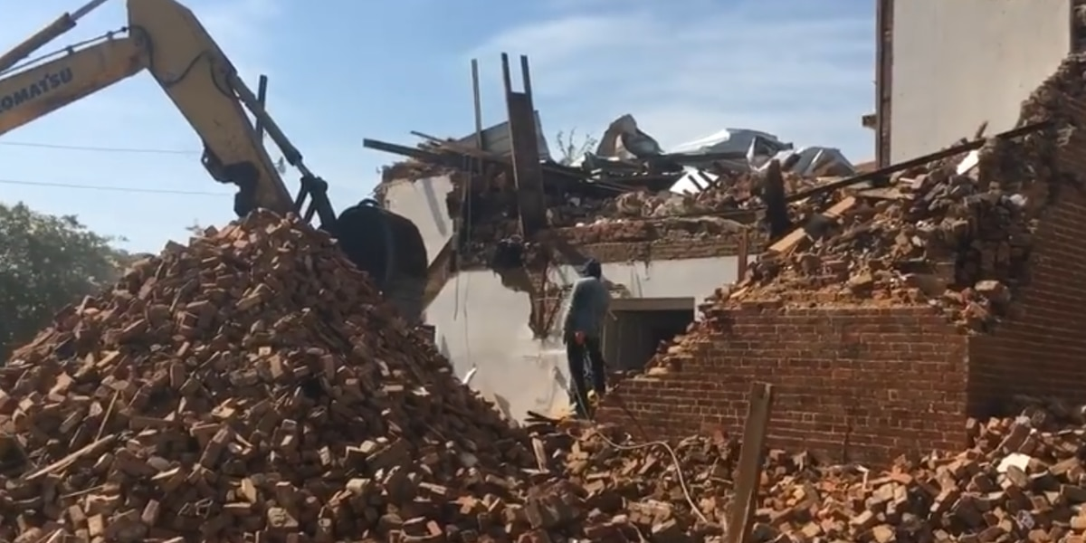 Historic Wetumpka First Baptist Church sanctuary comes down