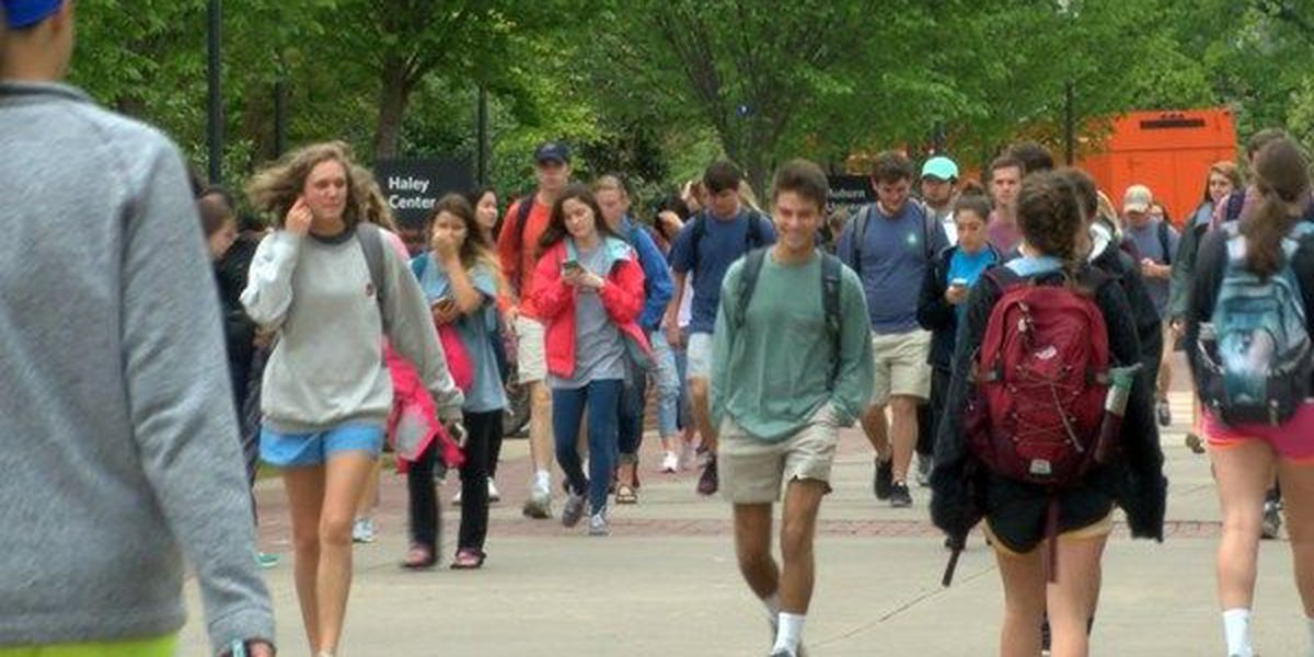 Rise in cost of education leads to new student loan pitfalls