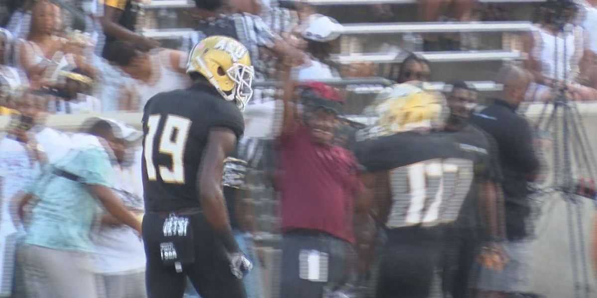 Jefferson hauls in 3 TDs in Labor Day Classic shootout