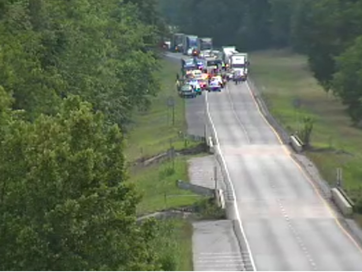 1 lane of I-65 NB in Lowndes County reopens after crash