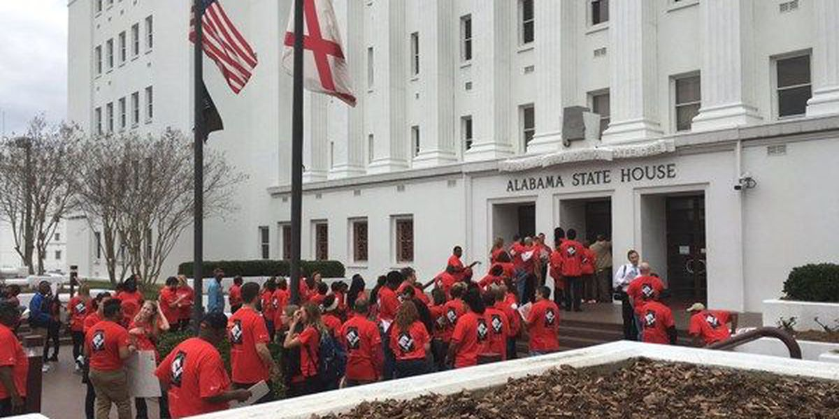 Advocates march to AL statehouse for HIV, AIDS awareness