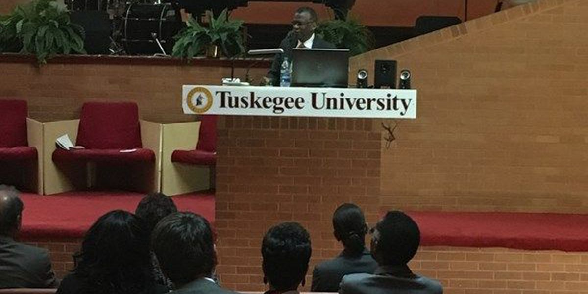 Inventor, Tuskegee University graduate speaks to students