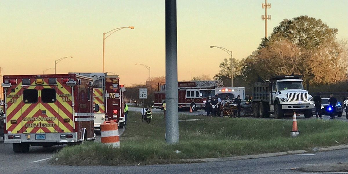 2 killed in crash on Montgomery's East South Boulevard
