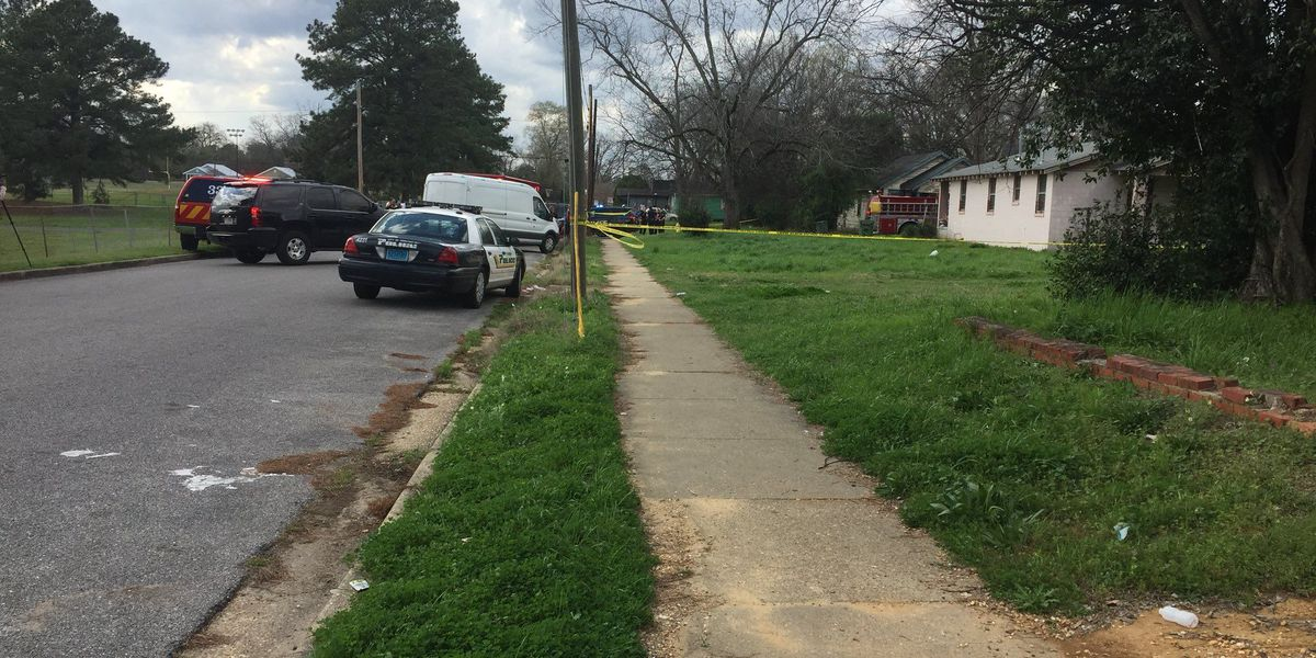 3 shot, including MPD officer; shooting suspect dead