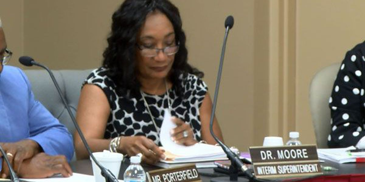 Montgomery school board, superintendent agree to $215K contract