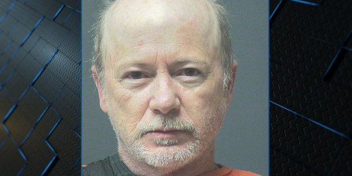 Man arrested after hitting fire chief in the face while giving wife CPR