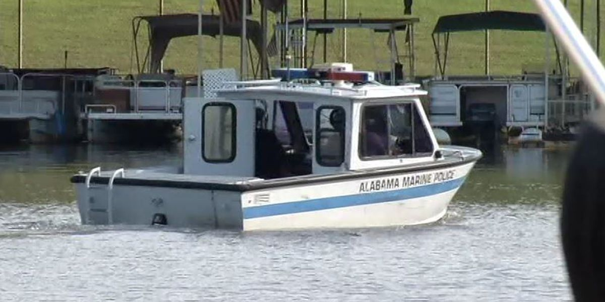 TPD Marine Police boat sinks off in Lake Tuscaloosa