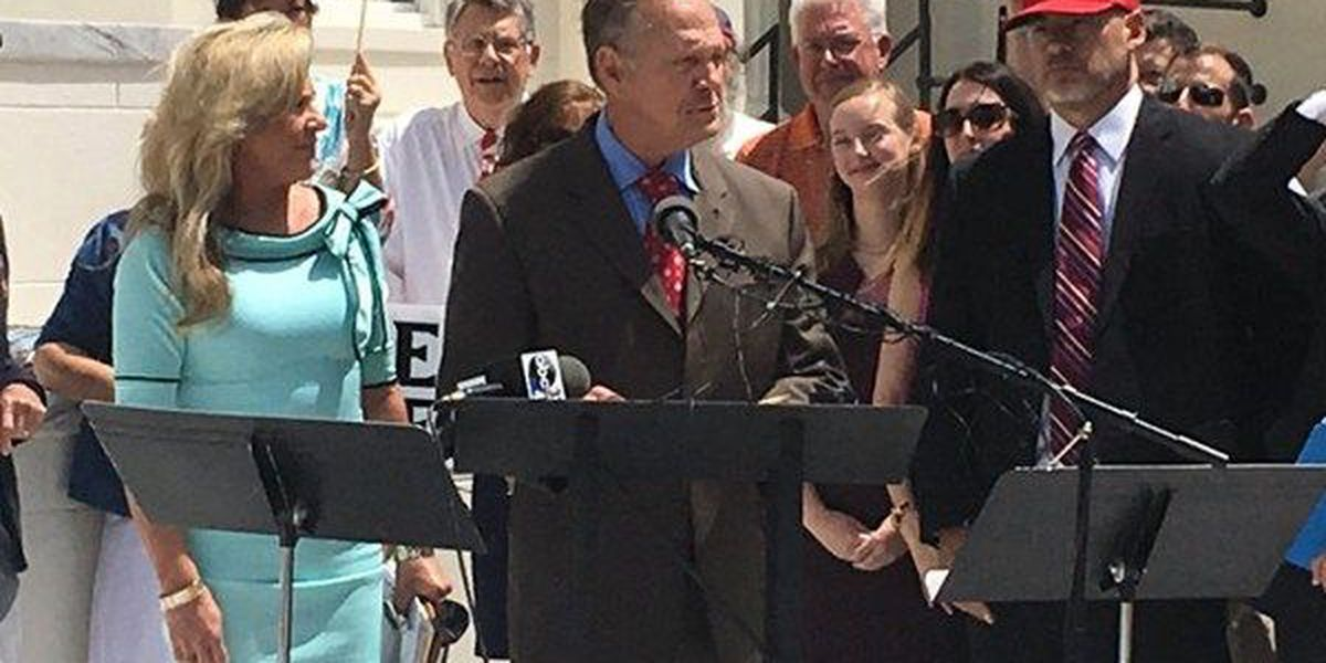 Roy Moore resigns from AL high court, sets sights on U.S. Senate seat