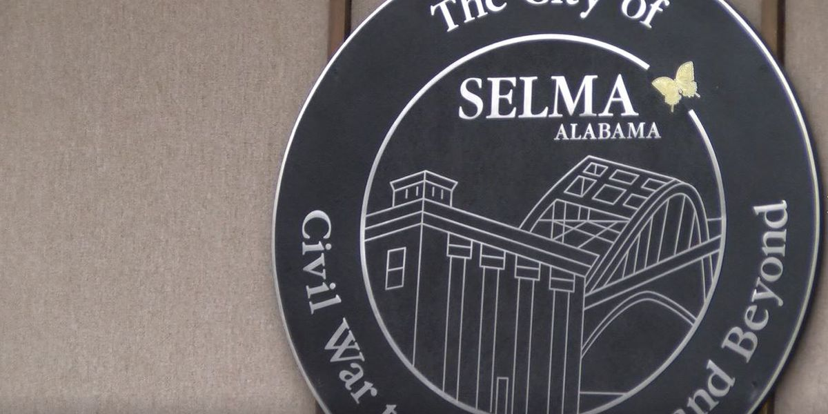 Selma employees protest for second day