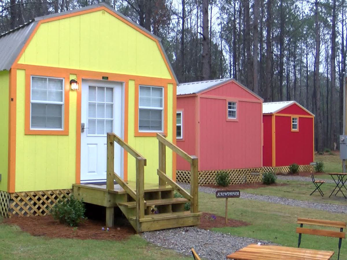 Mother, daughters create tiny resort business in Lee County