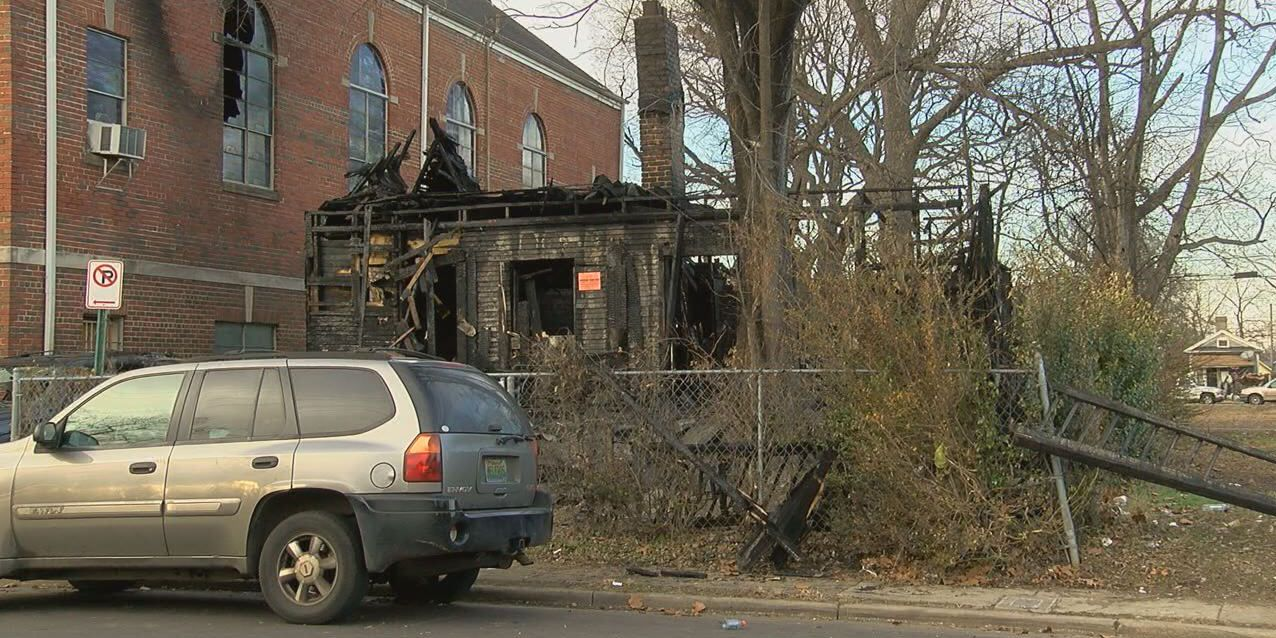 Daughter saves family from Christmas morning house fire