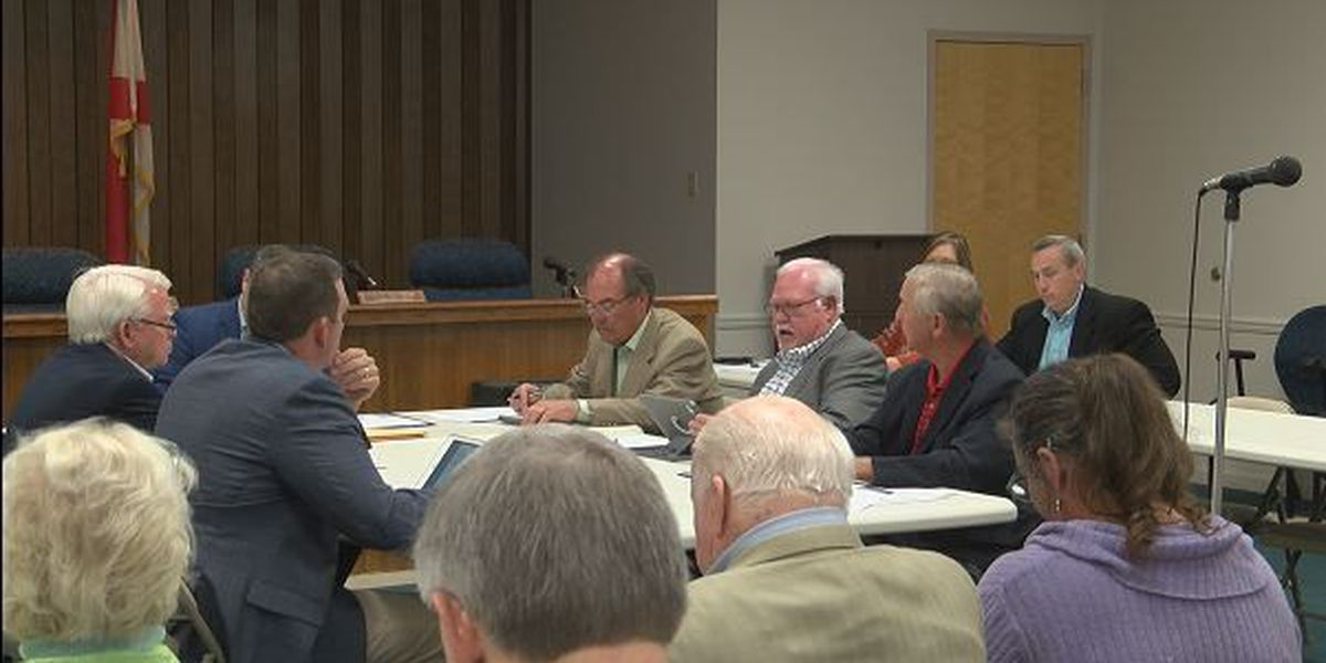 Problems persist with Dale County radios, commissioner weighs legal options