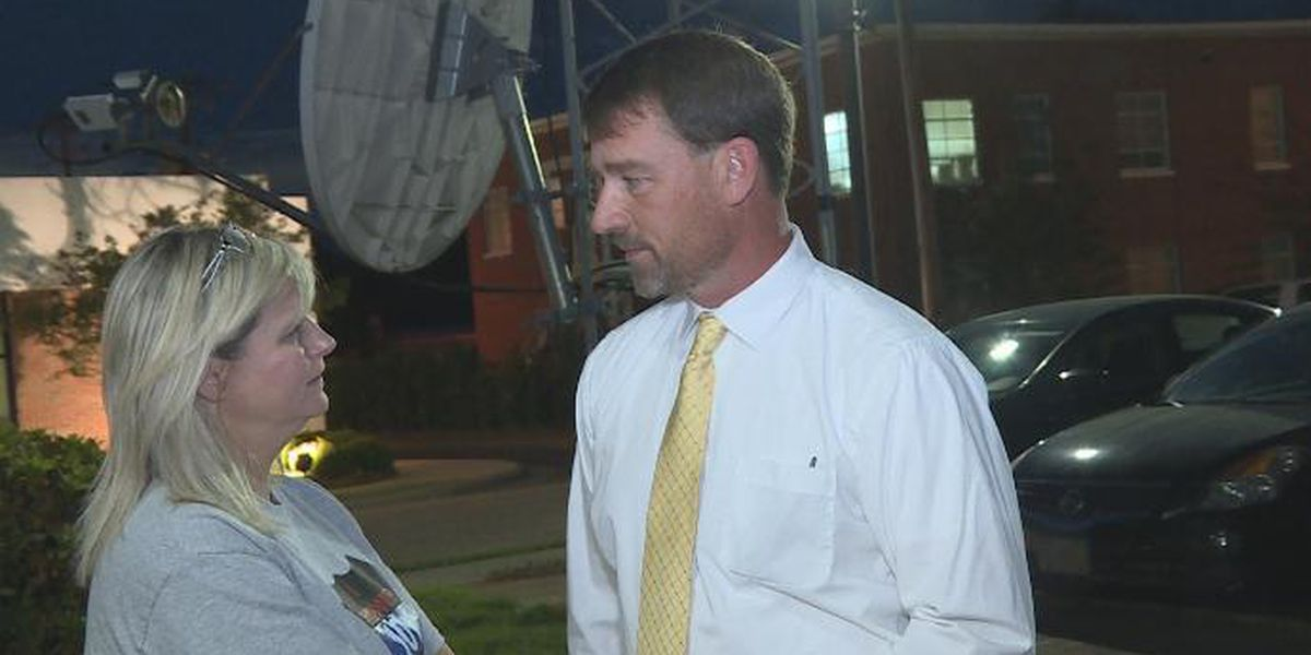 Abbeville police chief fired; supporters unable to speak