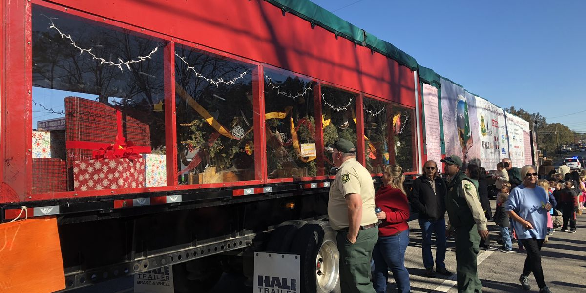 U.S. Capitol Christmas tree tour stops in Brent