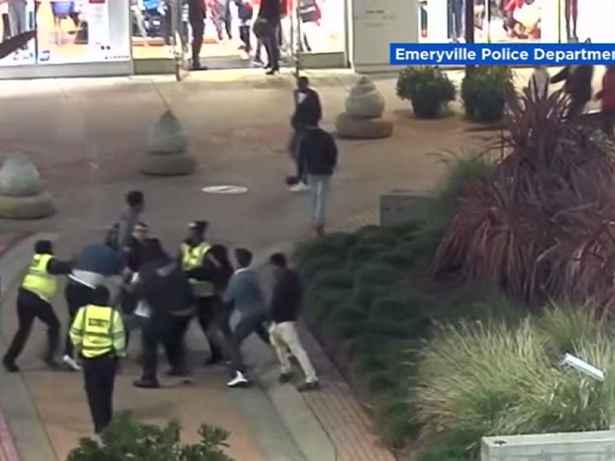 8 Teens Xx off-duty officer attacked8 teens while trying to help