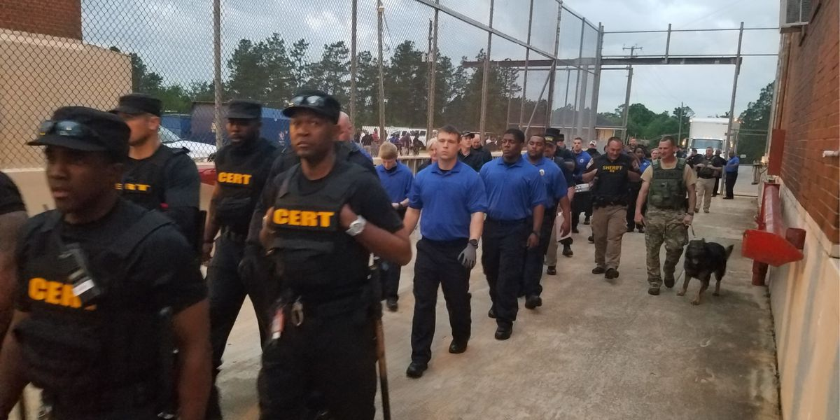 Hundreds of weapons, drugs found in Holman Prison raid