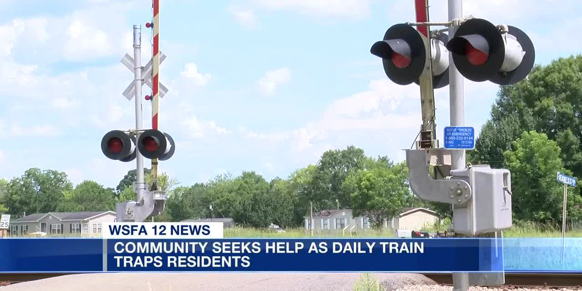 CSX makes plans to shorten train to prevent blockage at neighborhood's only entrance