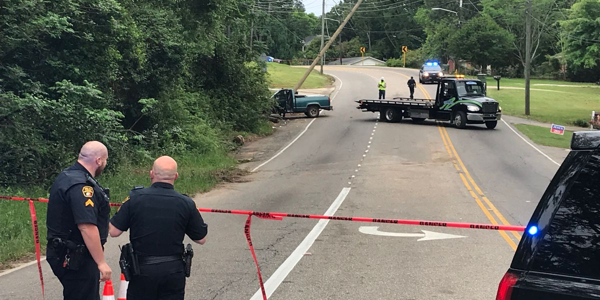 Perry Hill Road reopens hours after vehicle hits utility pole