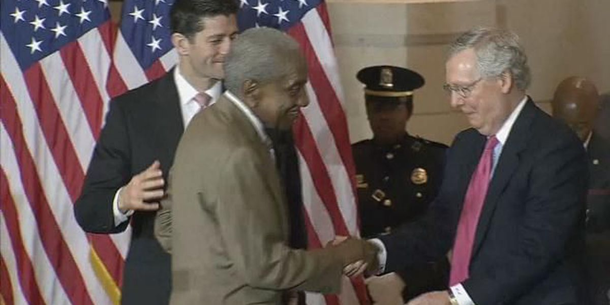Civil rights foot soldiers honored with Congressional Gold Medal
