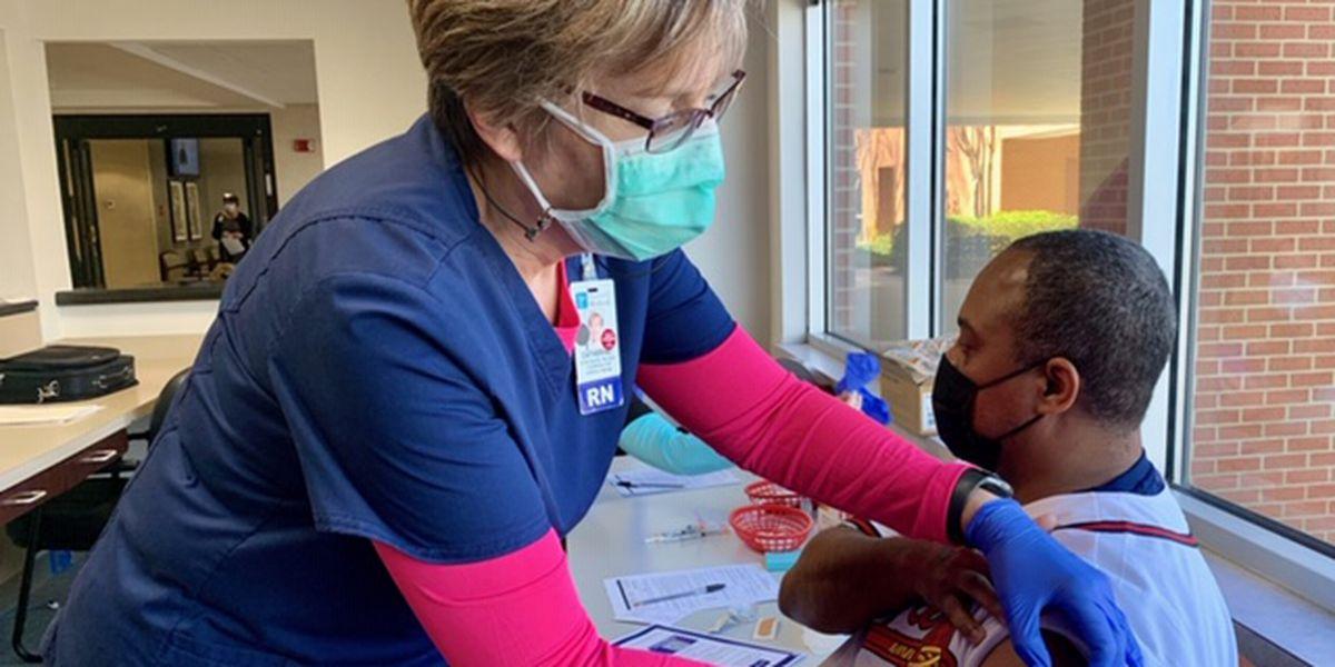 Alex City school teachers start receiving COVID-19 vaccinations