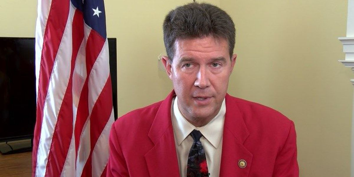 Merrill warns voters, poll workers about crossover voting