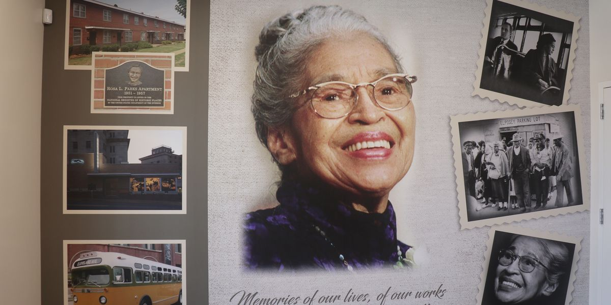 Rosa Parks mural unveiled