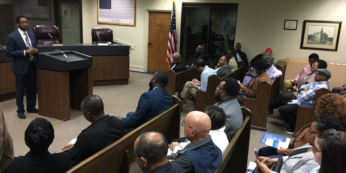 State representative holds town hall meeting in Dallas County