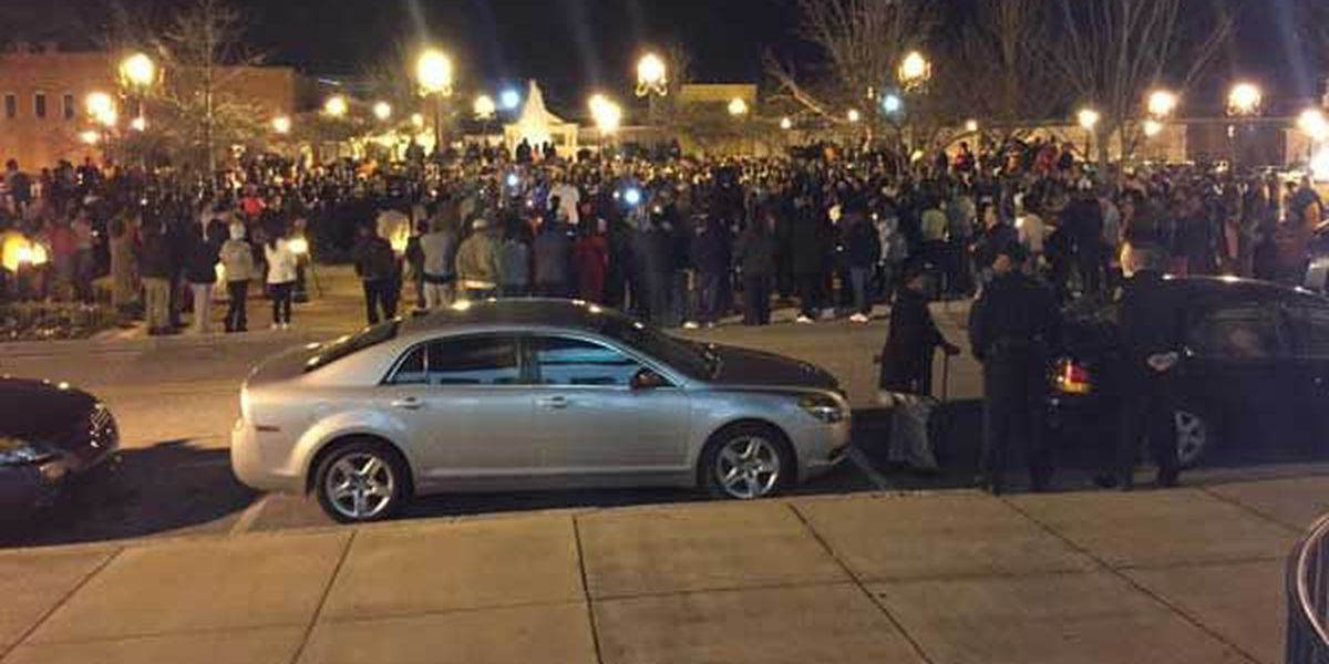 Vigil held for Jakell Mitchell at Lee County Courthouse