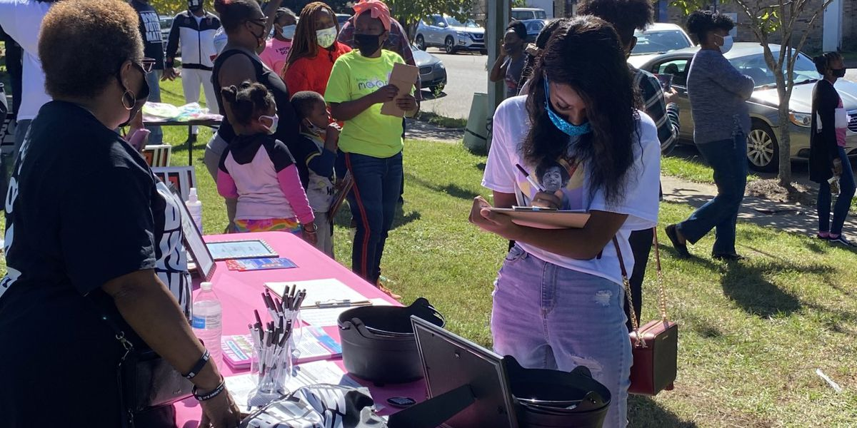 Block party held for last minute push for voter registration
