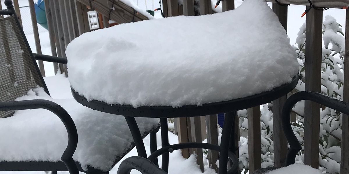 "Parts of Iowa get thumped by nearly 10"" of ""unexpected"" snow"
