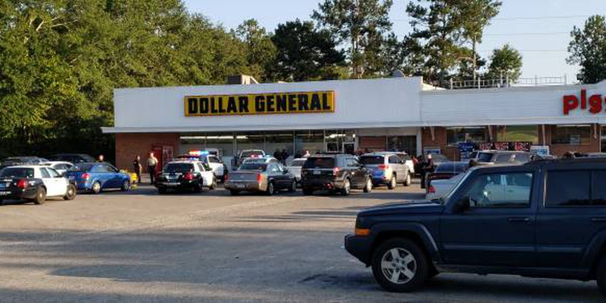 Man shot in back at Dothan Dollar General