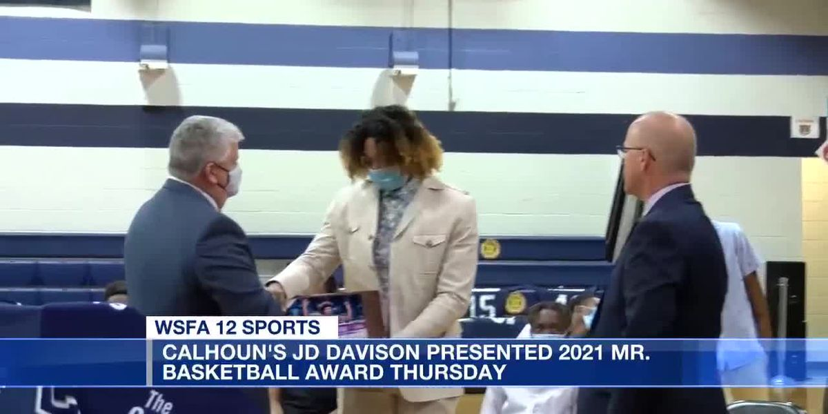 JD Davison presented 2021 Mr. Basketball award Thursday