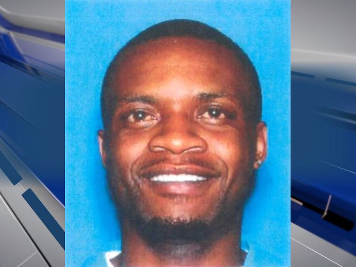 Selma police searching for double murder suspect